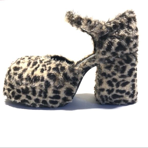 Unif Stace Leopard Faux Fur Platform
